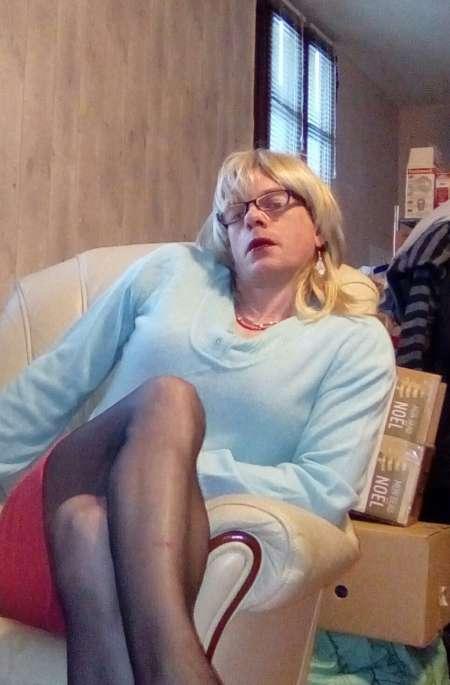 Annonce Blonde Transexuelle D'Angers Qui Aime La Bite Et Les Fessés